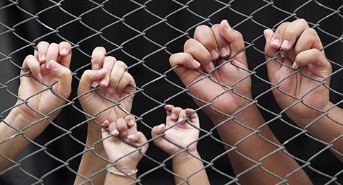 إعانة أسر السجناء المحتاجين