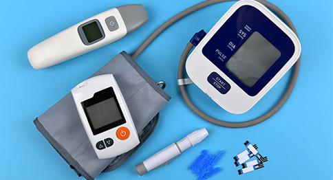 تأمين المستلزمات الطبية للمحتاجين